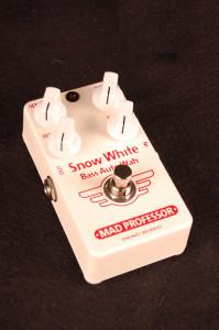 mp_snow_white_bass_autowah_handwired_