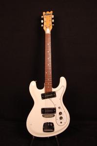 Univox_guitar_cobber_