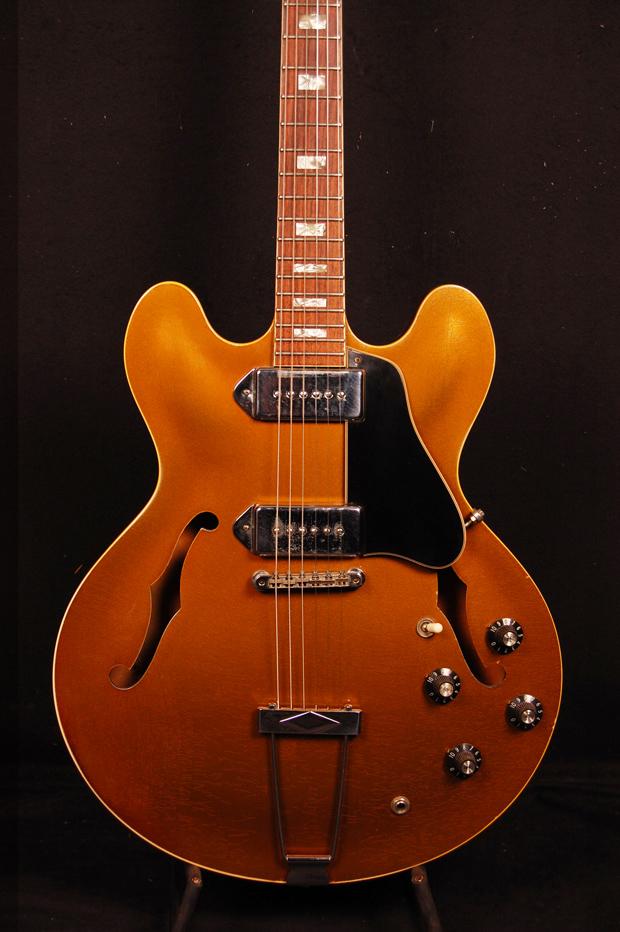 gibson es 330 gold 1968 woodstock guitars. Black Bedroom Furniture Sets. Home Design Ideas