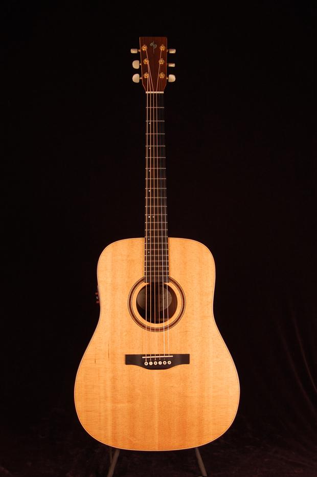 Simon & Patrick Luthier Showcase Rosewood A6T