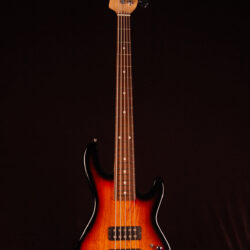 G&L L-2500 Tribute 5 strings Bass